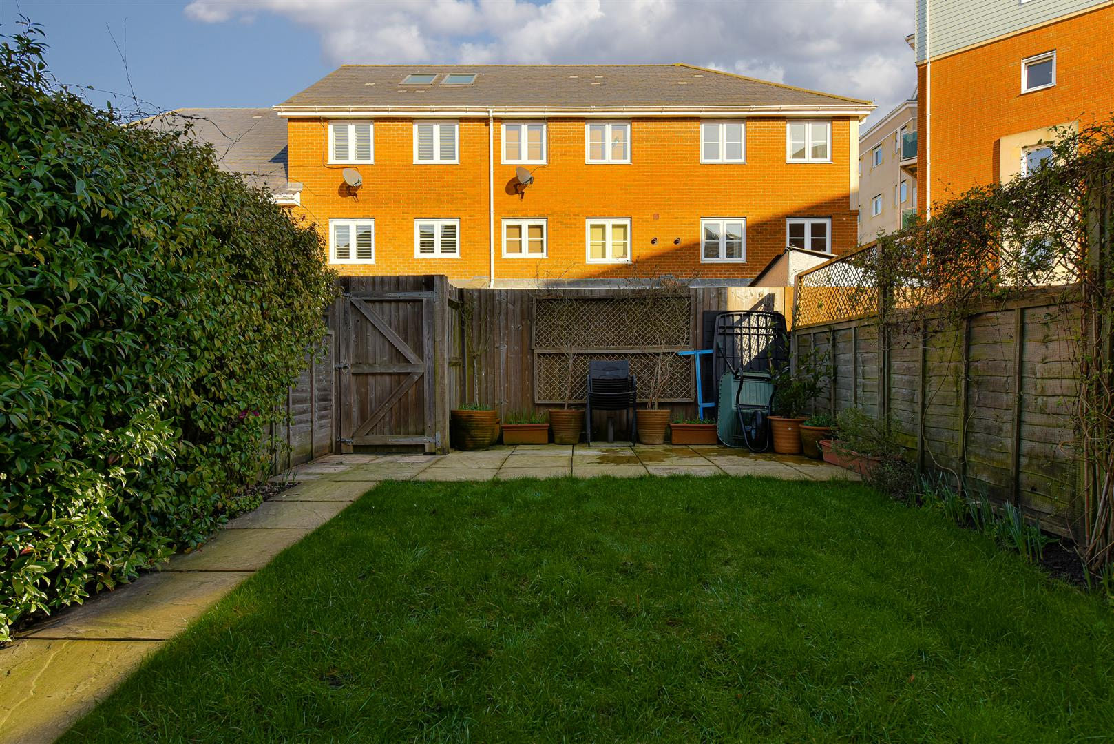 Images for Yoxall Mews, Redhill